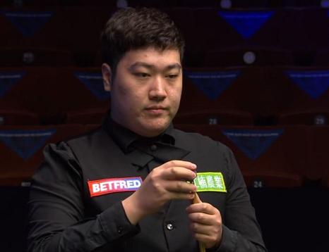 中国小将颜丙涛惊险过关 与丁俊晖携手晋级斯诺克世锦赛16强