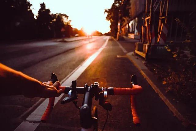 【夜读】活着,就要逢山开路、遇水架桥
