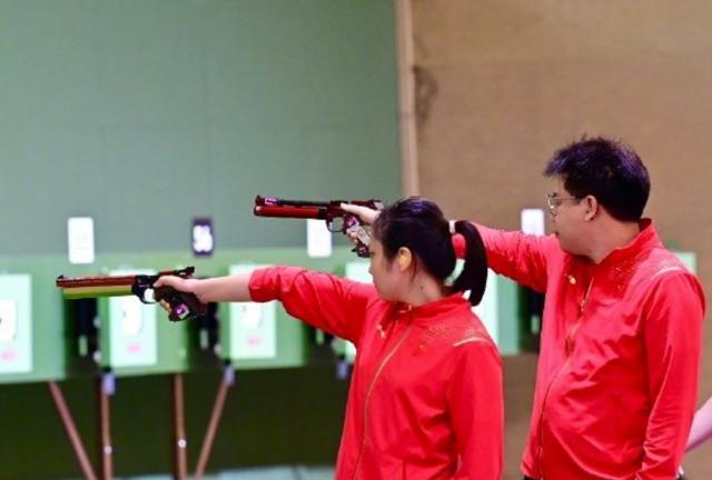 中国队第7金!射击四朝元老搭档00后夺冠,个人第二枚奥运金牌