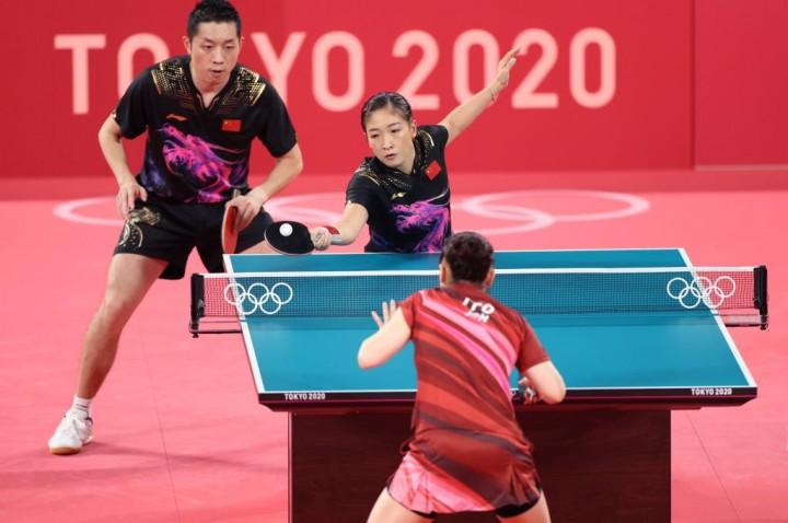 许昕刘诗雯获乒乓球混双银牌