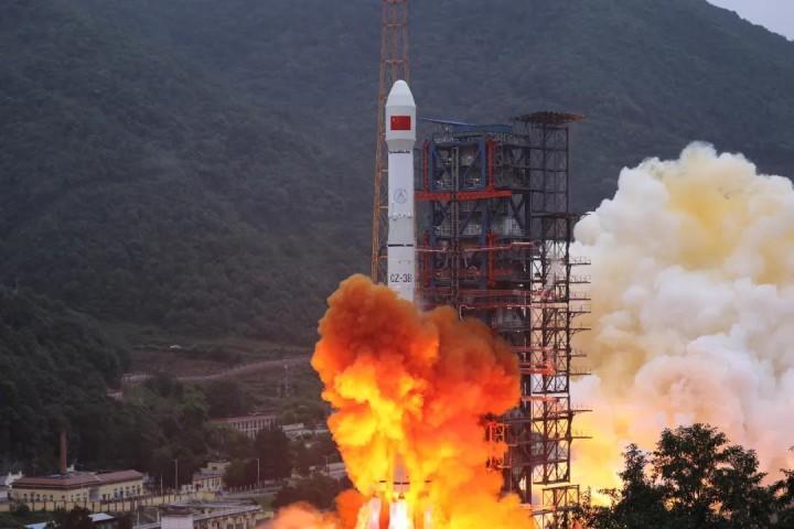 我国成功发射实践二十一号卫星