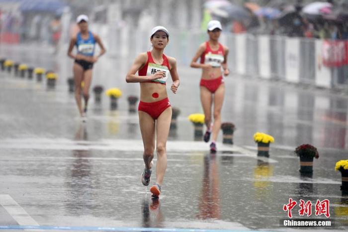 女子20公里竞走杨家玉雨中卫冕 刘虹谢幕