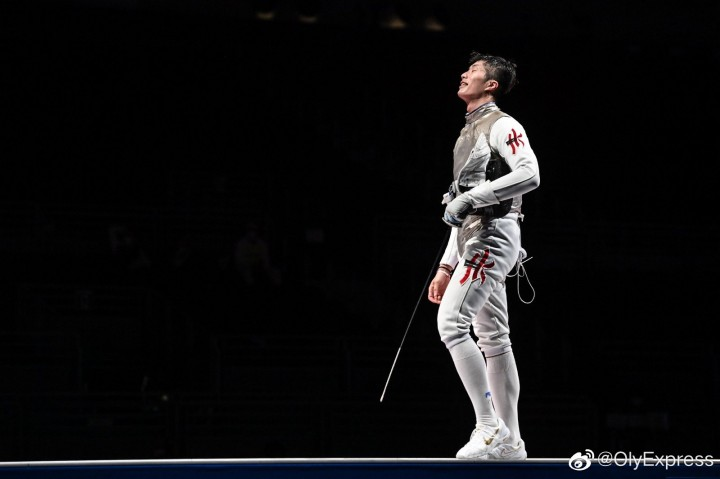 中国香港选手张家朗获得东京奥运会男子花剑个人冠军